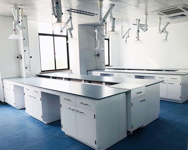 全钢实验台是在各大单位或学校的实验室都会准备的一种设备